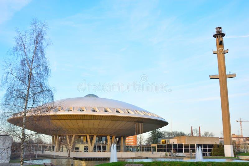 Bâtiment d'Evoluon, formé comme un UFO images libres de droits