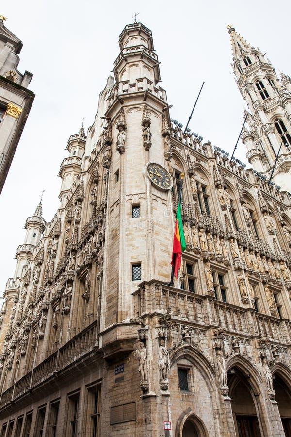 Bâtiment d'hôtel de ville de Bruxelles situé sur Grand Place célèbre photo stock