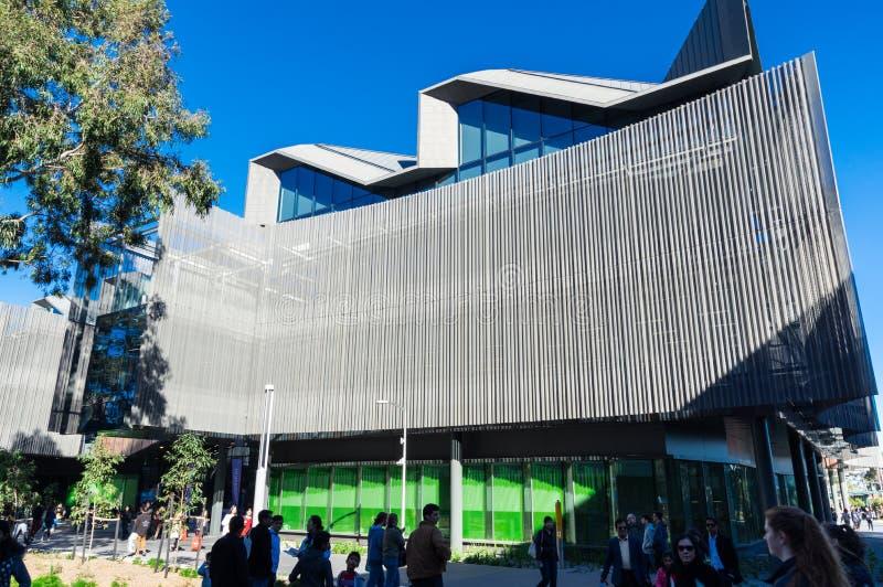 Bâtiment de étude et de enseignement du corps enseignant d'éducation sur le campus de Clayton d'université de Monash images stock