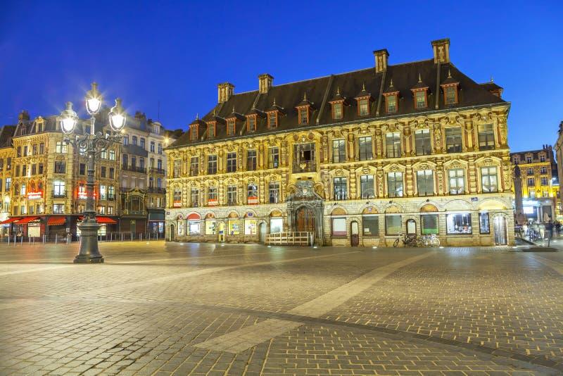 Bâtiment de bourse des valeurs d'anciennes actions à Lille images libres de droits