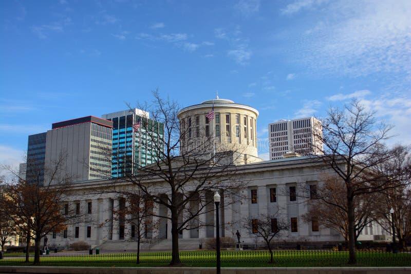 Bâtiment de capitol d'état de Statehouse de l'Ohio et Columbus Skyline photo libre de droits