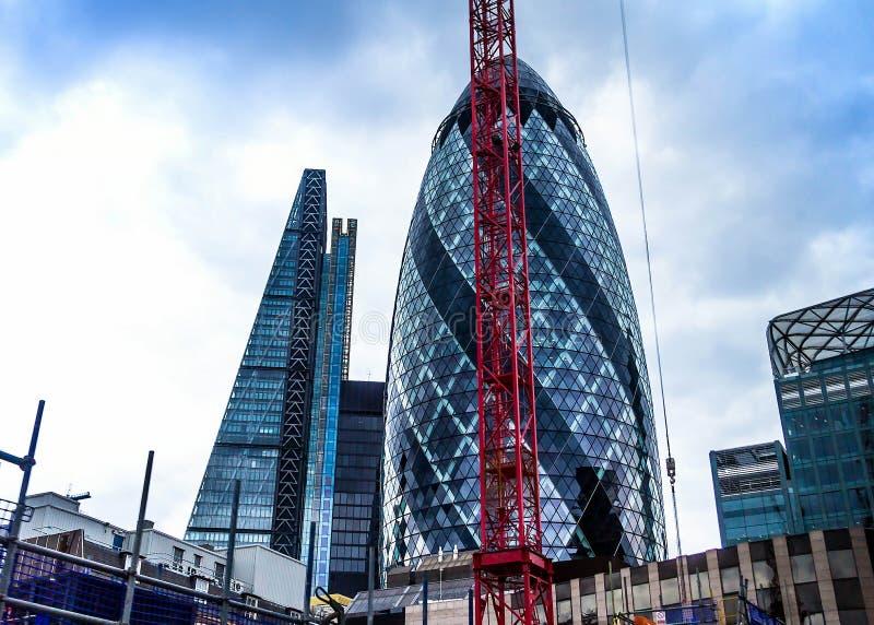 Bâtiment de cornichon et gratte-ciel du ` s de Londres de tesson images stock