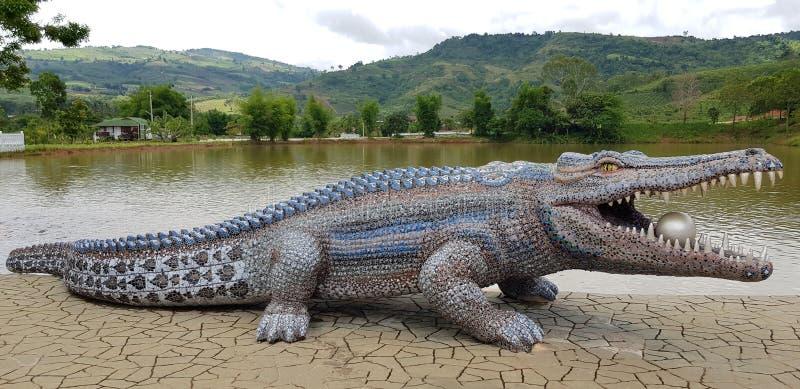 Bâtiment de crocodile images stock