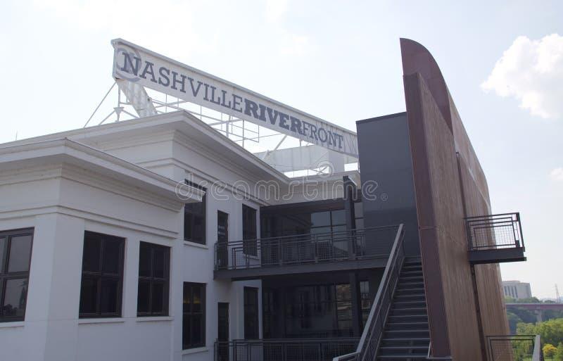 Bâtiment de façade d'une rivière de Nashville en parc Nashville du centre, TN de Cumberland image stock