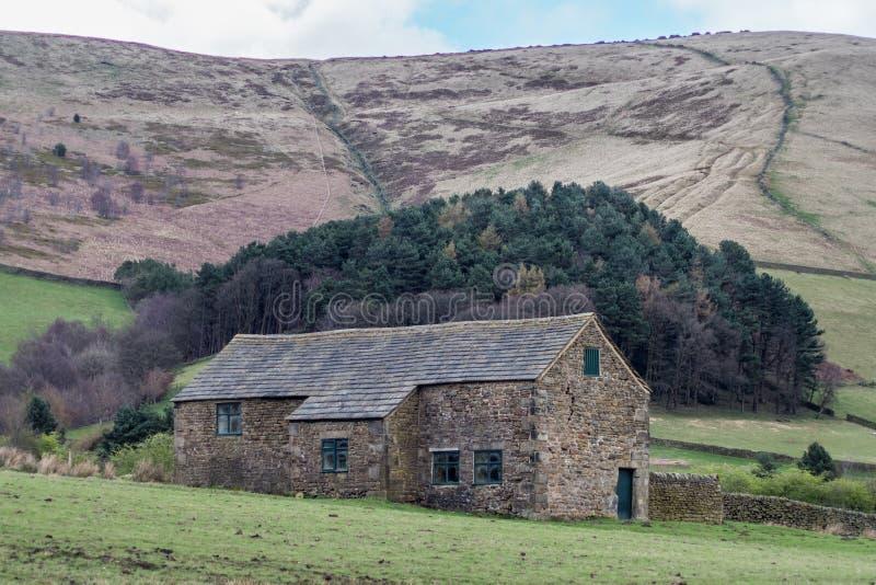 Bâtiment de ferme dans la vallée d'Edale photographie stock