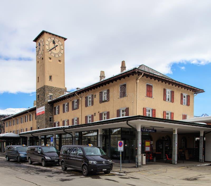 Bâtiment de la gare ferroviaire à St Moritz, Suisse image stock