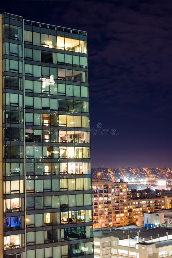 Bâtiment de Nightscape - San Francisco image stock