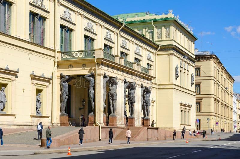 Bâtiment de nouvel ermitage sur la rue de Millionnaya, St Petersburg, Russie image libre de droits