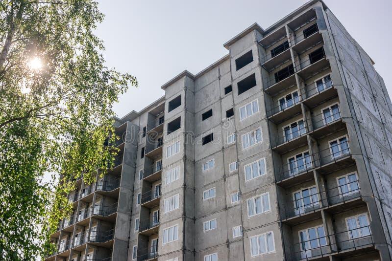 Bâtiment de nouvelle maison à plusiers étages Russie photos stock