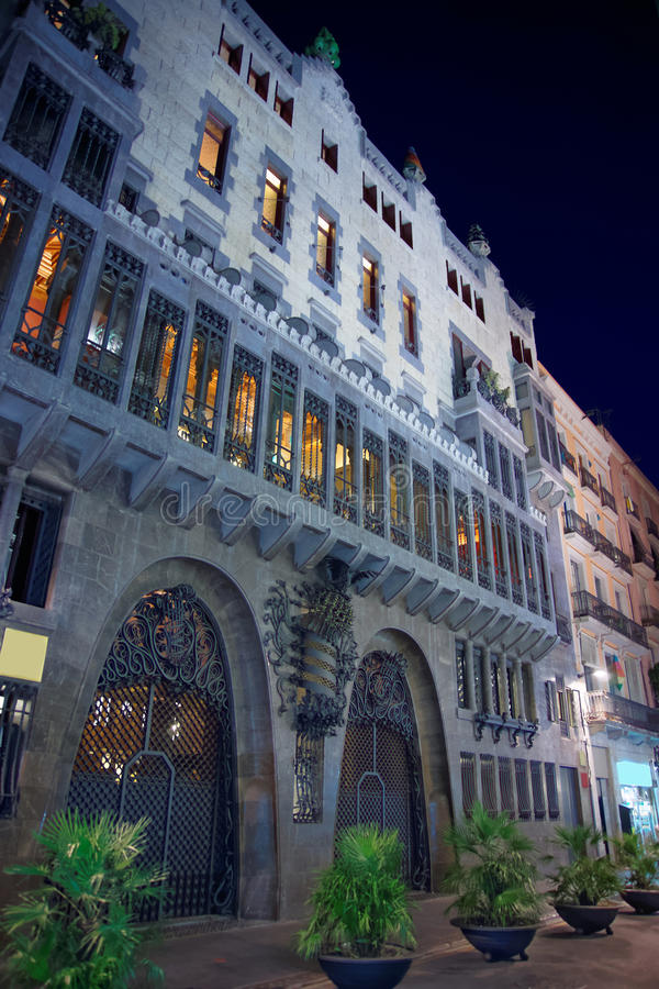 Bâtiment de palais de Guell à Barcelone en Espagne photo libre de droits