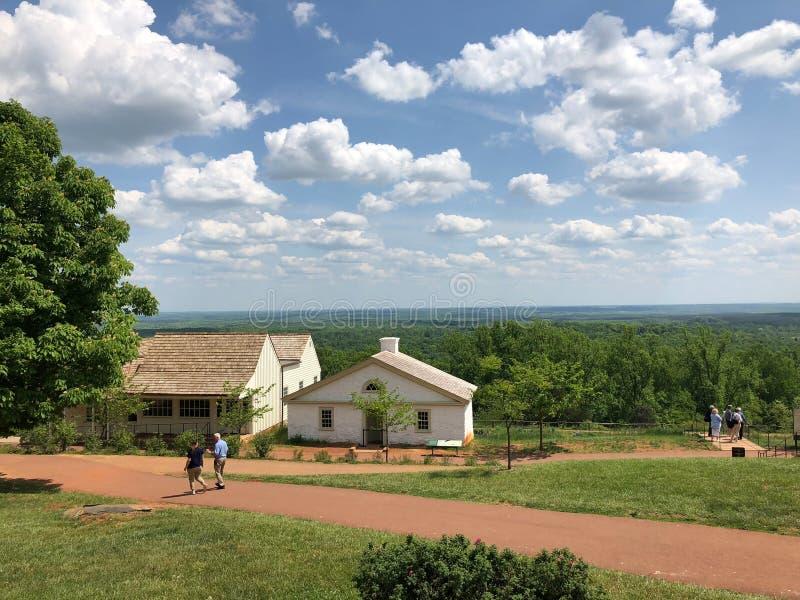 Bâtiment de Planation pendant le soleil d'été photographie stock
