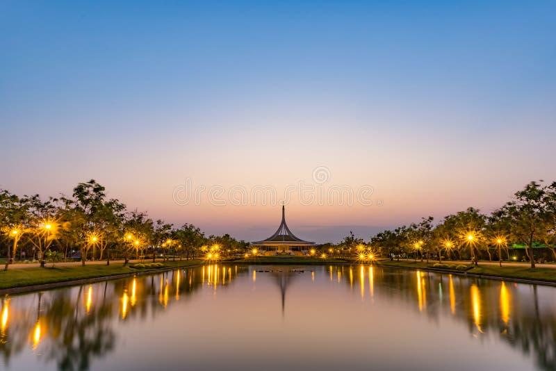Bâtiment de Rajaprabha Suan Luang images libres de droits