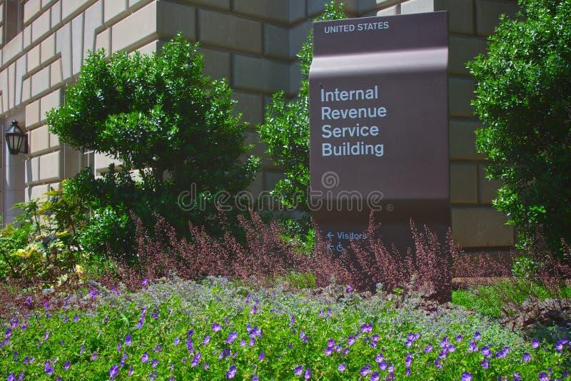 Bâtiment de service des recettes fiscales image stock