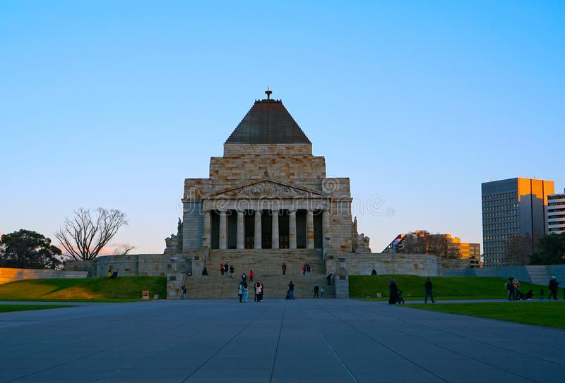Bâtiment de souvenir de tombeau dans l'Australie de Melbourne images libres de droits