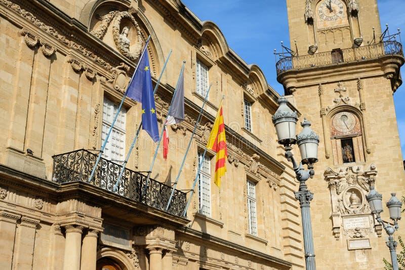 Bâtiment de tour d'horloge et d'hôtel de ville à Aix-en-Provence, France photographie stock libre de droits