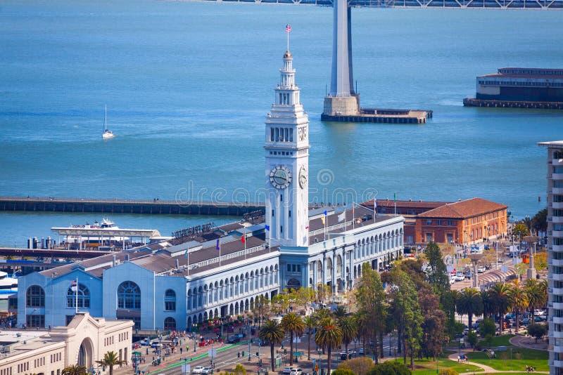 Bâtiment de tour de pilier de port de ferry à San Francisco images libres de droits