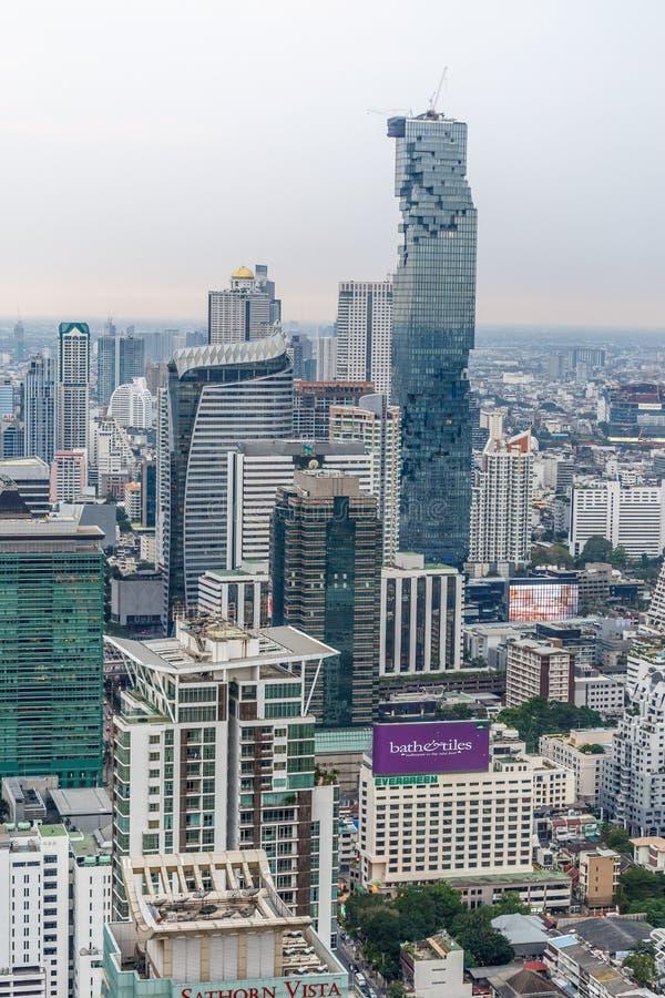 Bâtiment du ` s de MahaNakhon - de Bangkok le plus haut image stock