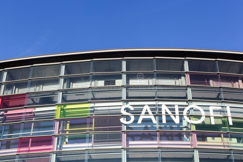 Bâtiment et bureau de Sanofi images libres de droits