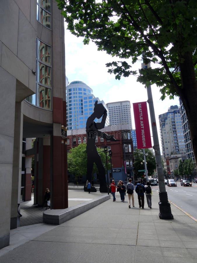 Bâtiment et statue de Seattle Art Museum photo stock