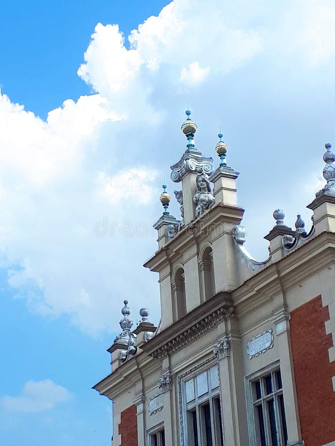 Bâtiment fleuri à Cracovie Pologne image libre de droits