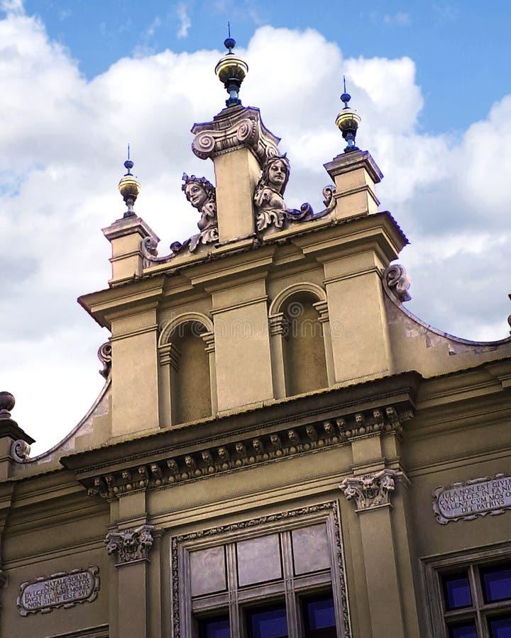 Bâtiment fleuri à Cracovie Pologne images stock
