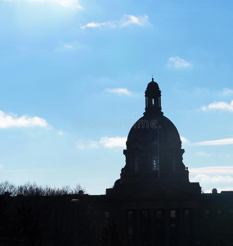 Bâtiment législatif Edmonton, ciel bleu d'Alberta Against A photos libres de droits