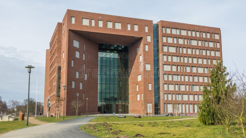Bâtiment moderne d'université images libres de droits
