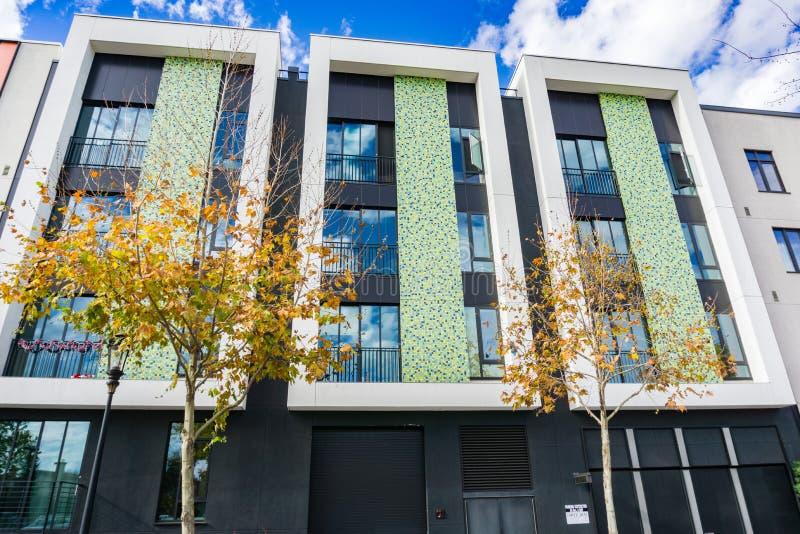 Bâtiment moderne multifamilial résidentiel, San José, la Californie photos libres de droits