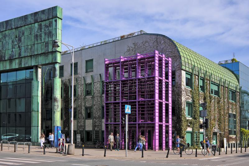 Bâtiment principal de bibliothèque universitaire de Varsovie, Pologne - de Varsovie dans photo stock
