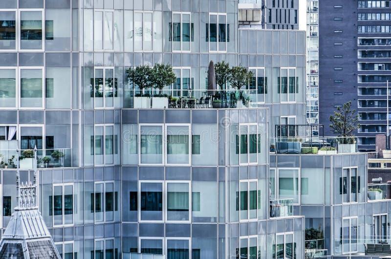 Bâtiment Rotterdam de terrasse de toit image stock
