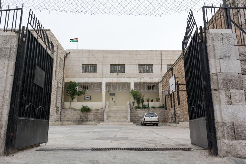 Bâtiment scolaire jordanien classique traditionnel Jordanie photographie stock