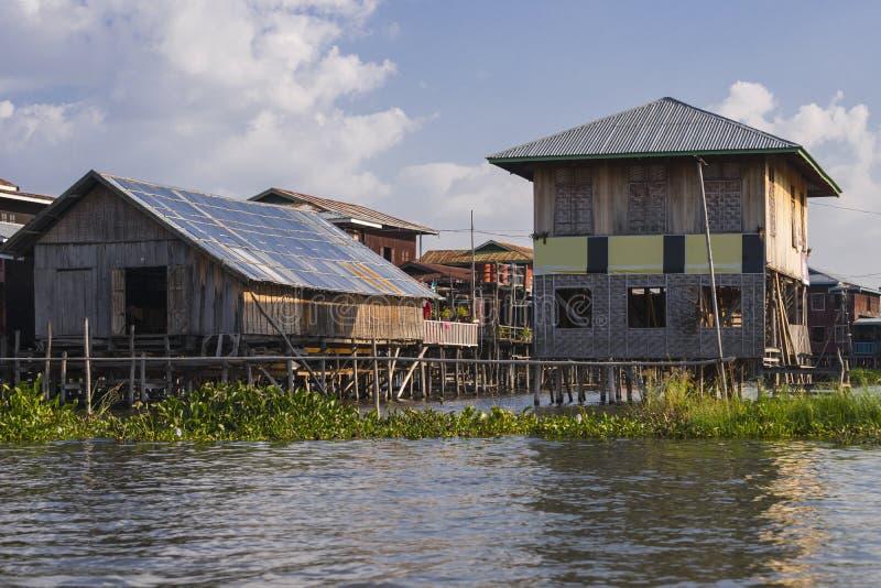 Bâtiment sur le lac Inle image libre de droits