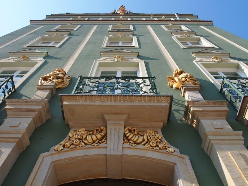 Bâtiment traditionnel avec le bureau d'enregistrement d'ornements, Szczecin, Pologne photographie stock libre de droits