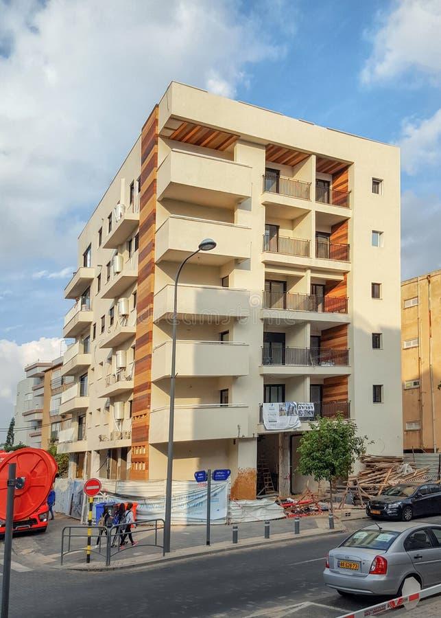 Bâtiment vivant nouvellement rénové et reconstitué dans Rishon LeTsiyon photos stock