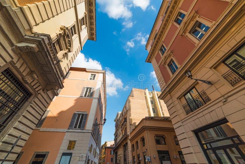 Bâtiments élégants à Rome photographie stock libre de droits