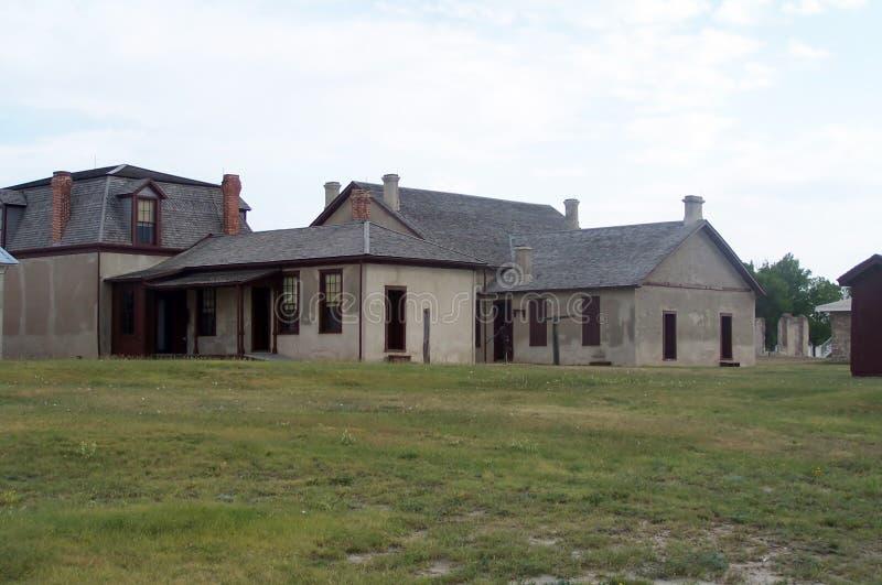 Download Bâtiments Coloniaux De Style De Laramie De Fort Image stock - Image du zone, colonial: 45356331