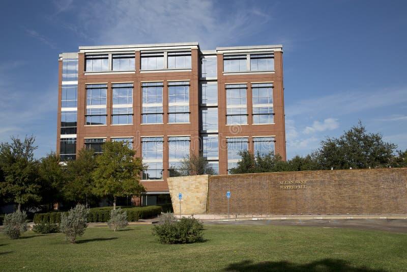 Bâtiments dans le campus d'université du comté de Tarrant images libres de droits