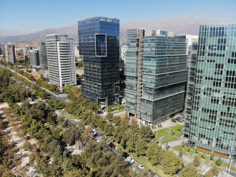 bâtiments de bourdon d'horizon de piment de Santiago d'araucano images libres de droits
