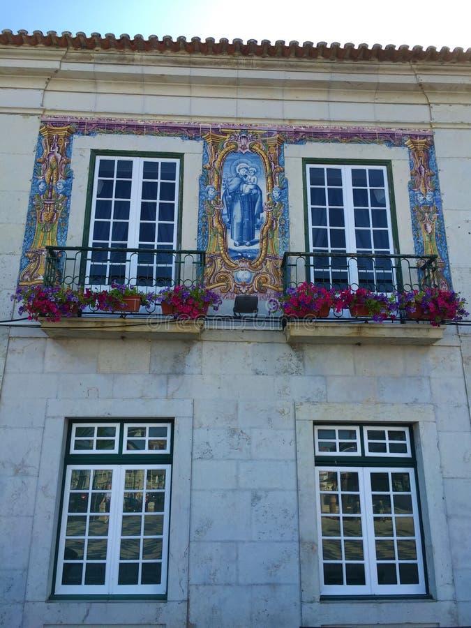 Bâtiments de Cascais - station touristique côtière au Portugal images stock