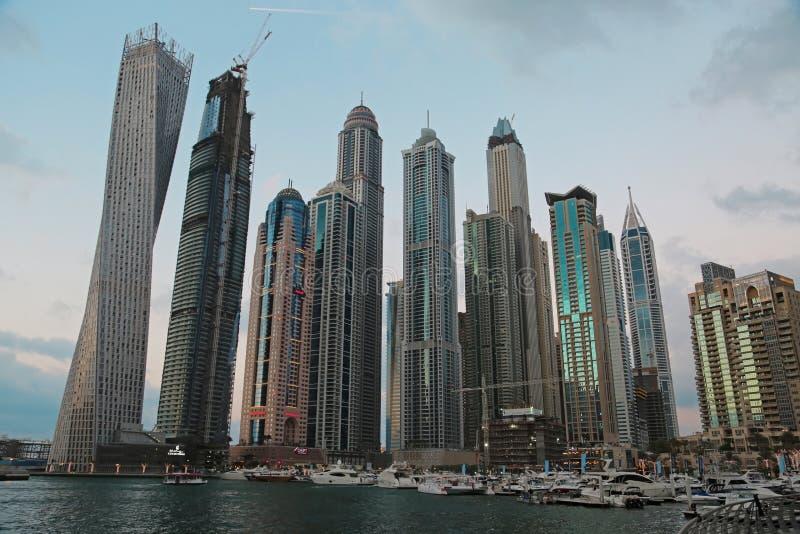 Bâtiments de marina de Dubaï, Emirats Arabes Unis image stock