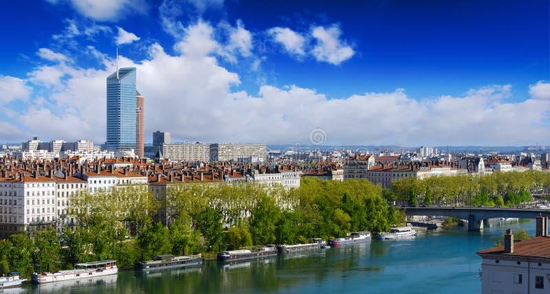 Bâtiments de ville et de Rhône de Lyon photos stock