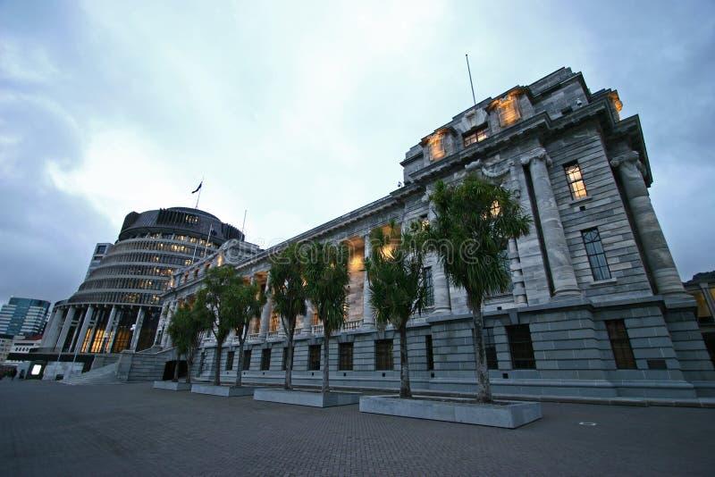 Bâtiments du Parlement de Lit en poussière, Wellington, Nouvelle-Zélande photographie stock