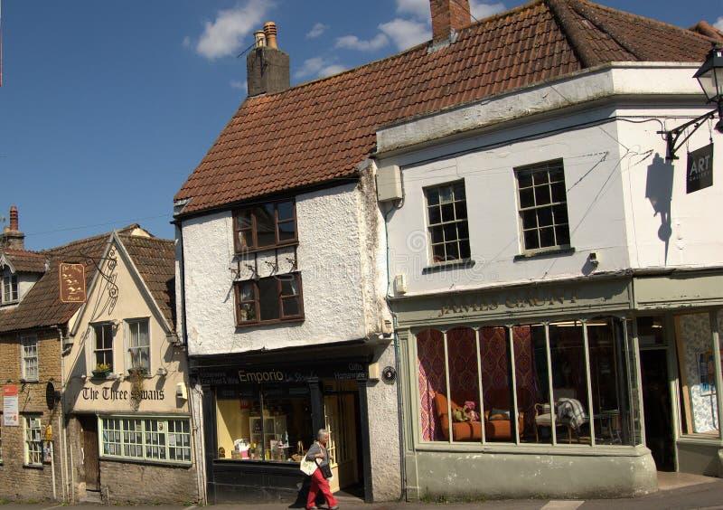 Bâtiments historiques à l'entrée de Cheap Street, Frome, Somerset, Angleterre images libres de droits