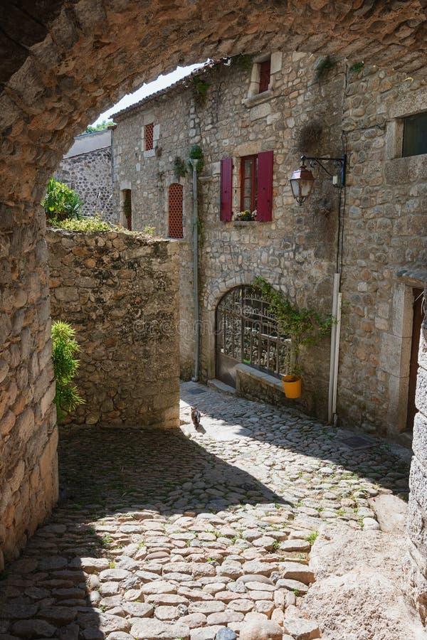Bâtiments historiques dans le vieux village de Labeaume dans l'Ardeche photographie stock libre de droits