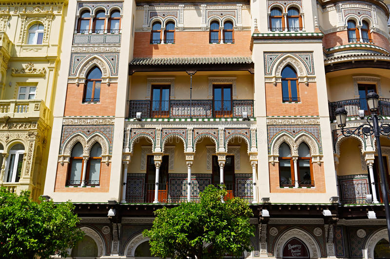 Bâtiments historiques et monuments de Séville, Espagne Styles architecturaux espagnols de gothique et de Mudejar, baroques image libre de droits