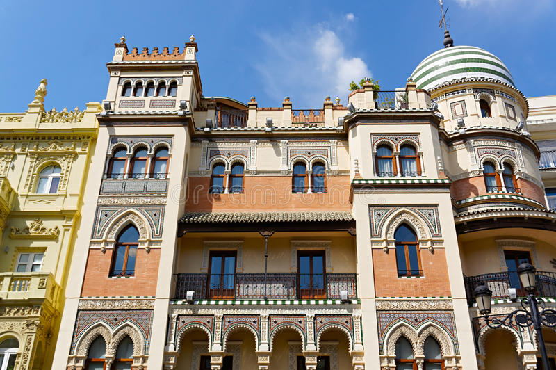 Bâtiments historiques et monuments de Séville, Espagne Styles architecturaux espagnols de gothique et de Mudejar, baroques photos libres de droits