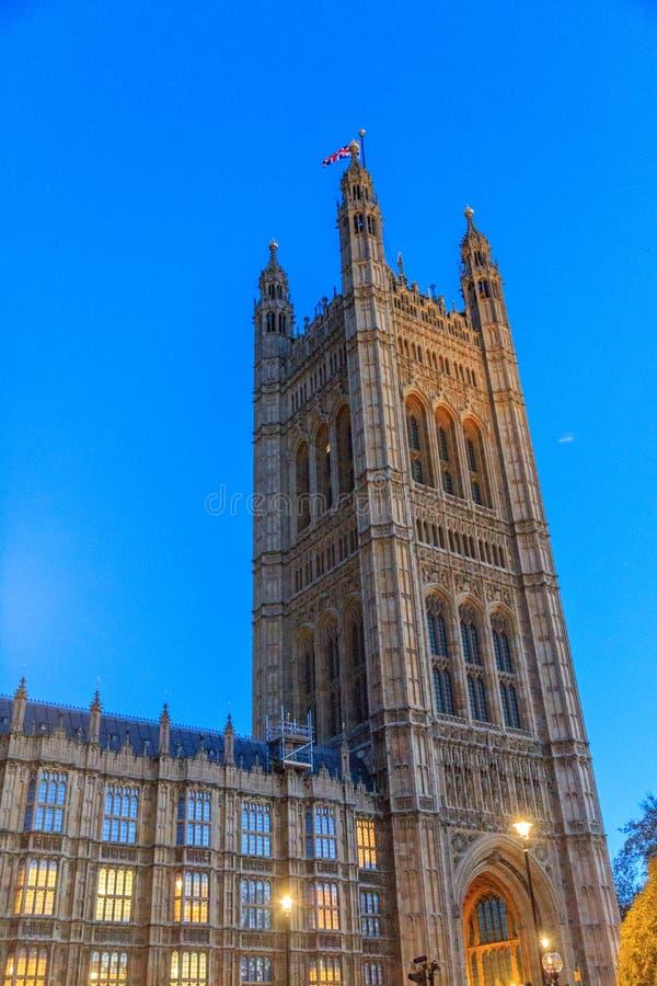 Bâtiments historiques magnifiques à Londres : Palais de Westminster images libres de droits