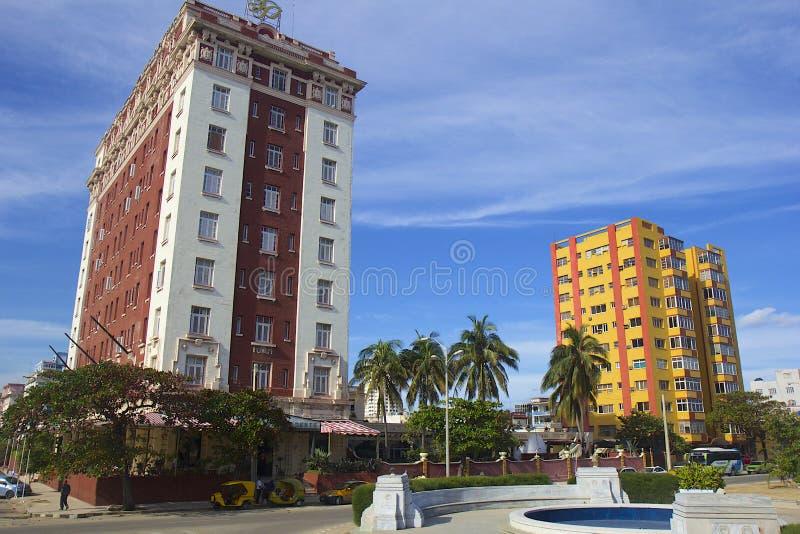 Bâtiments modernes à La Havane, Cuba photographie stock libre de droits