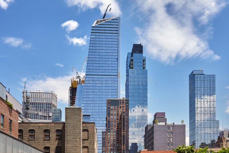 Bâtiments modernes et vieux à Manhattan, New York, Etats-Unis images stock