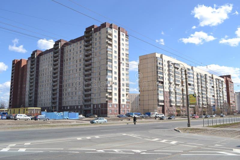 Bâtiments résidentiels modernes, St Petersburg photographie stock libre de droits
